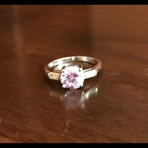 Jewelry - Fashion Ring with pink center stone